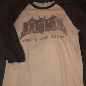 Men's Batman baseball tee